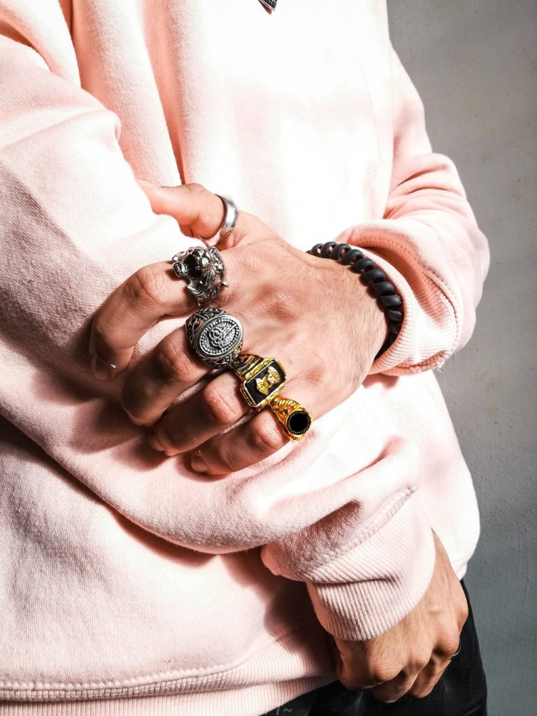 Anything that you can add with your common shirt and pant combo comes under the category of an accessories,they are small add-on to your outfits, and moreover they enhance your style,but always keep few points in mind when buying accessories:-